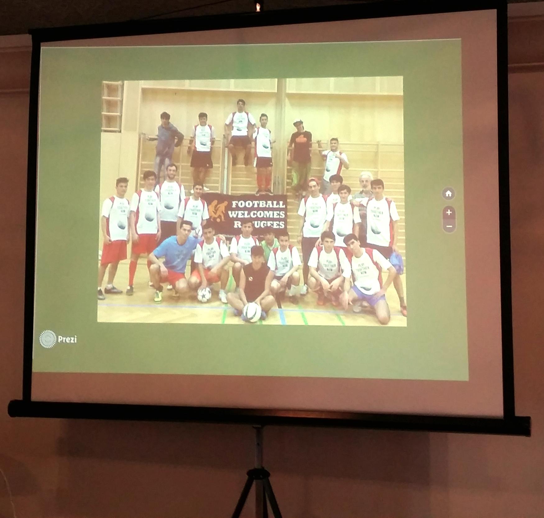 20160604-FootballWelcomesRefugees-III